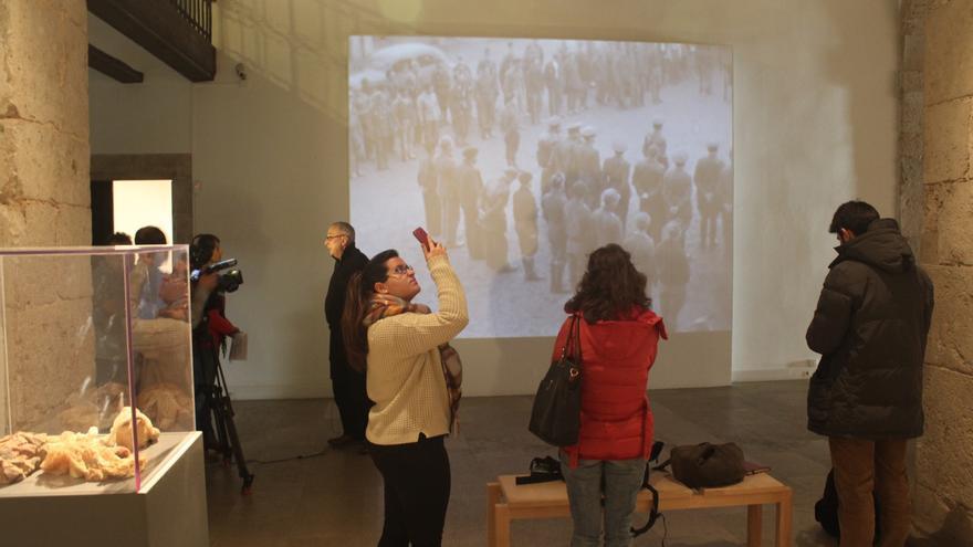 Es la primera vez que el montaje de este artista multimedia puede verse en España