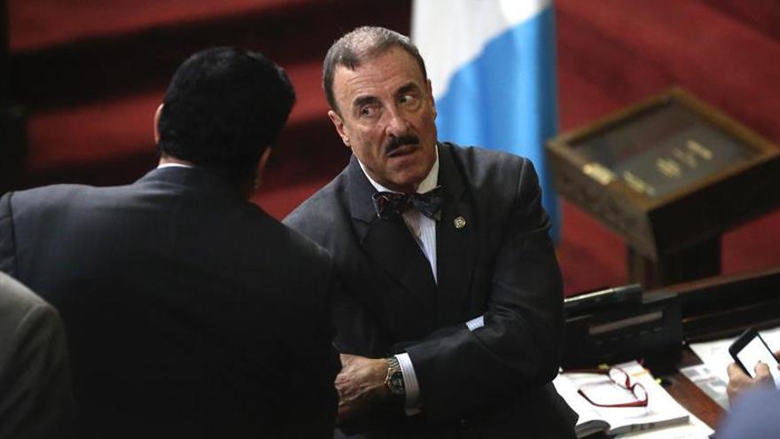 El Congreso rechaza de nuevo desaforar al presidente y pone en vilo a Guatemala
