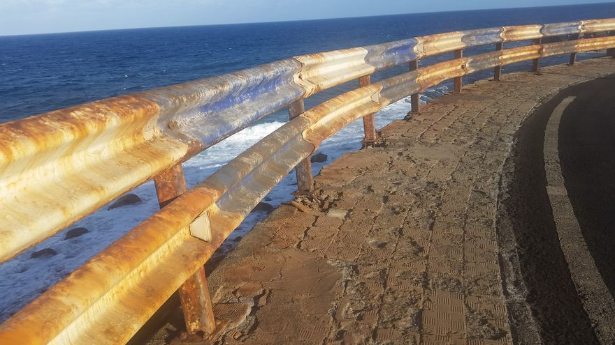 Imagen del vallado que se encuentra al finalizar el barranco de Las Nieves. Foto cedida por el PP.