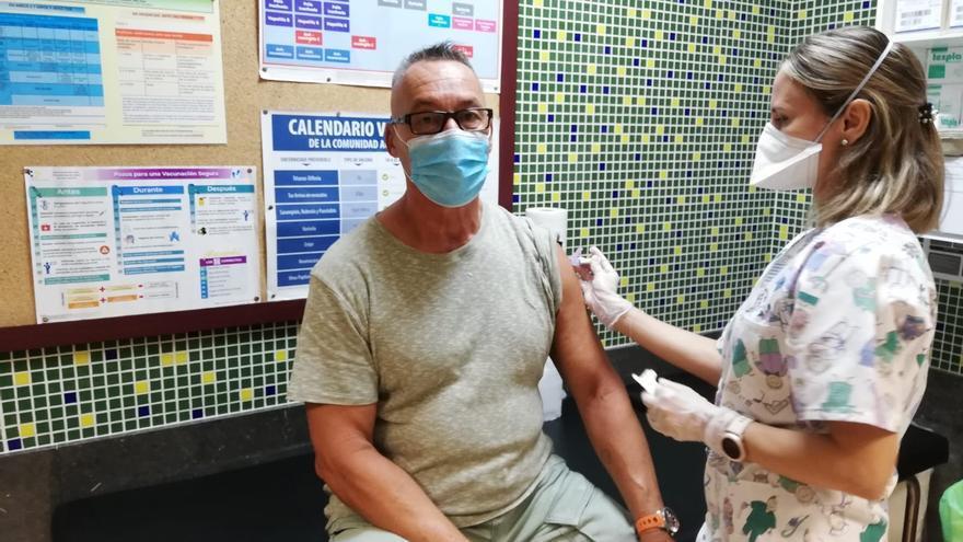 Récord de vacunación contra la gripe en el mes de noviembre en Tenerife con 95.989 personas inmunizadas