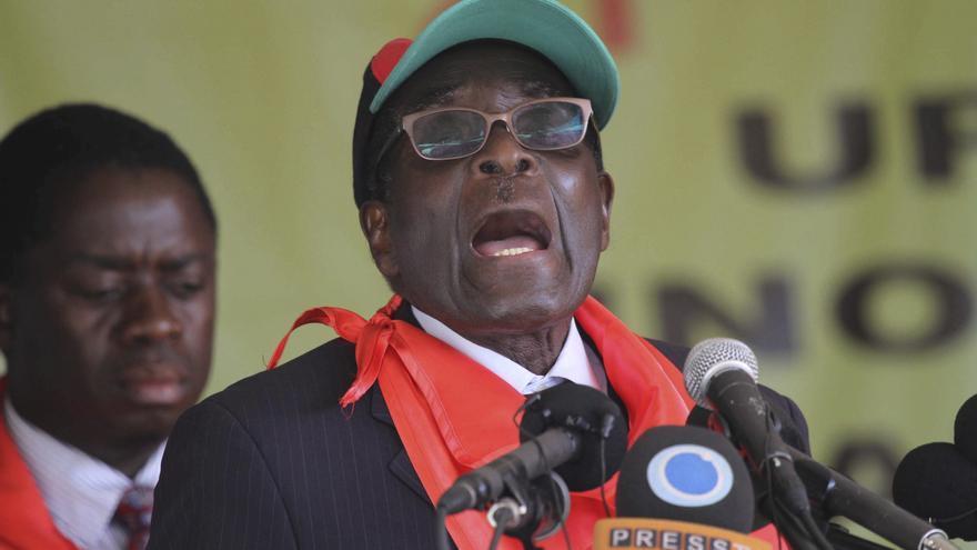 Un turista suizo, arrestado en Zimbabue por insultar a Mugabe