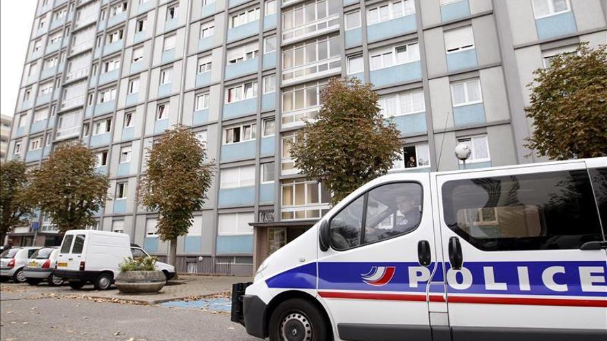 Disparan con ametralladora al paso de agentes de policía en Marsella