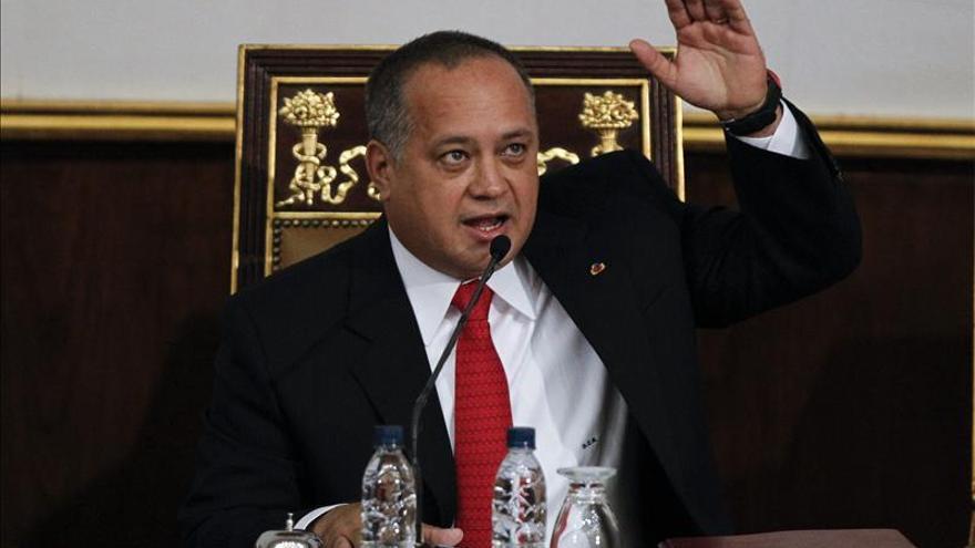 Cabello responsabiliza de agresiones a opositores y dice que fue un montaje