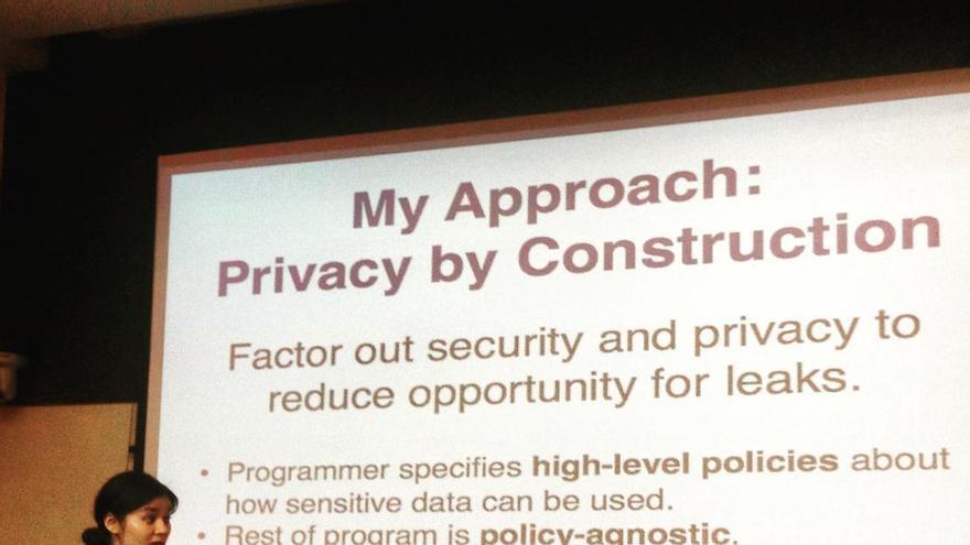 Jean Yang, durante una charla en Singapur sobre privacidad