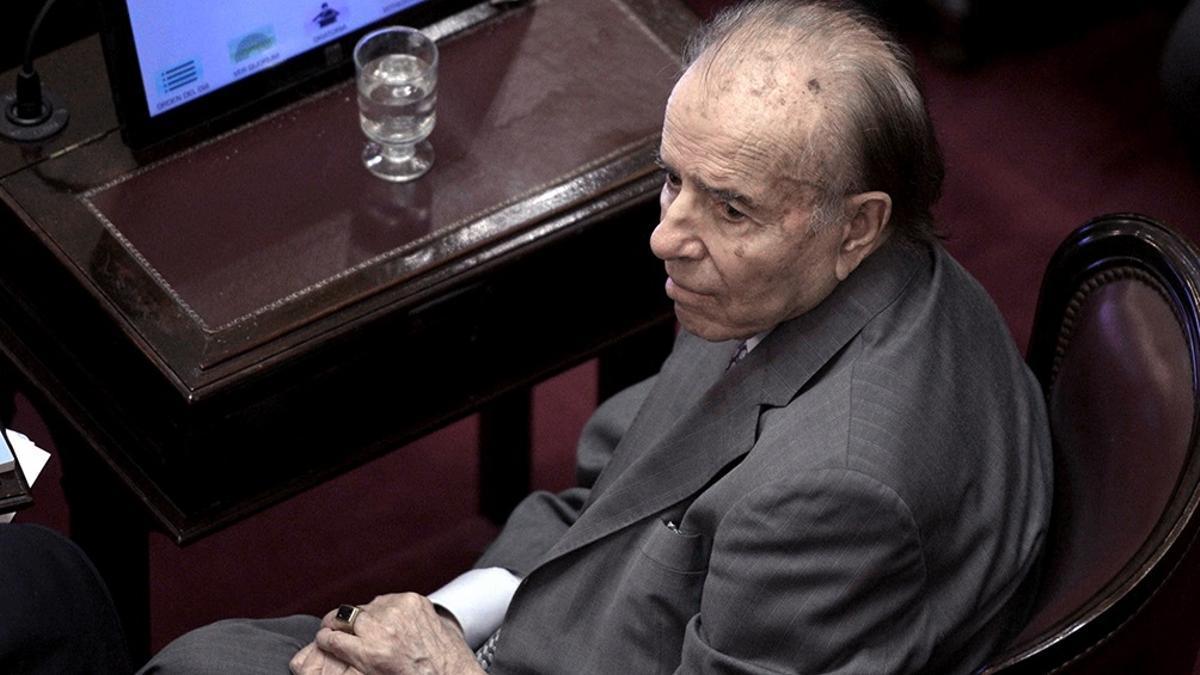 Políticos oficialistas y opositores despiden a Menem en las redes