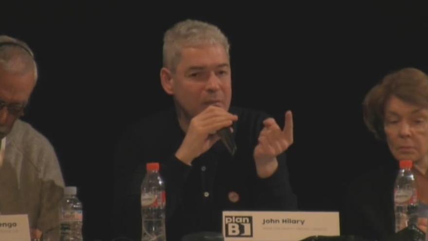 John Hilary durante la presentación del Plan B en Madrid