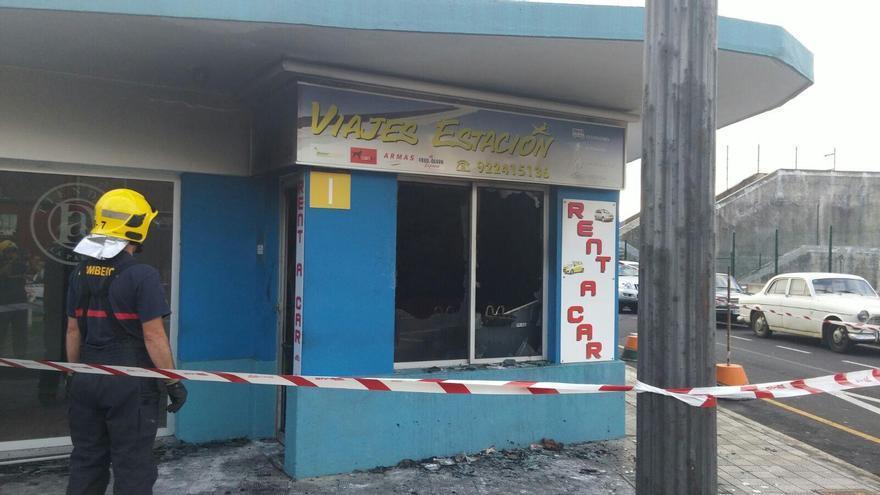 En la imagen, local afectado por el incendio. Foto: BOMBEROS LA PALMA.