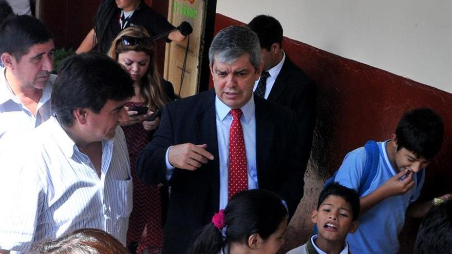 Profesores marchan por Asunción en apoyo de la huelga de estudiantes de secundaria