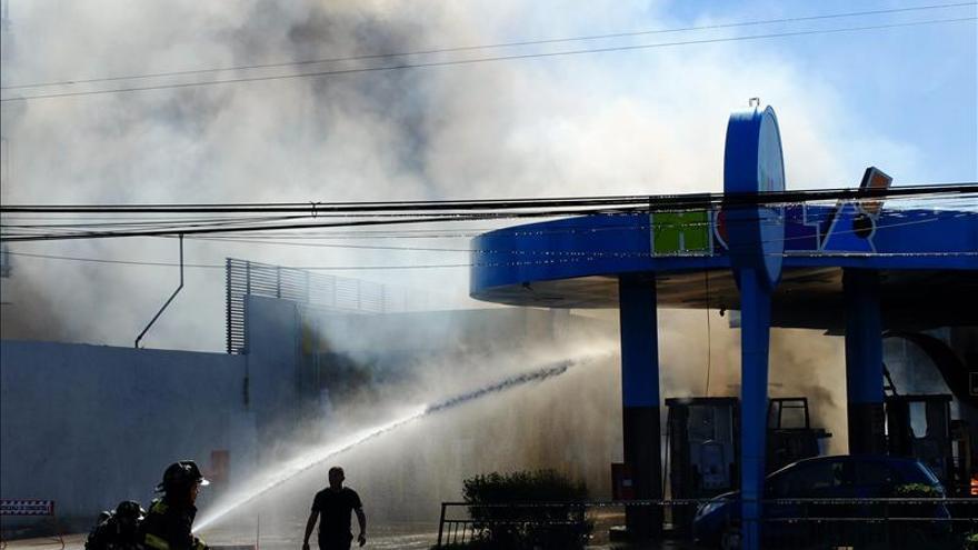 Cuatro heridos y 600 evacuados en Chile por explosión de gas en una gasolinera