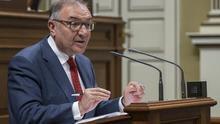 José Manuel Baltar, consejero de Sanidad, en el Parlamento de Canarias