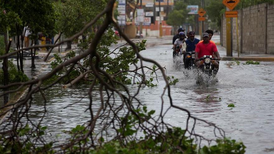 Fuertes lluvias y vientos en la República Dominicana por el huracán María