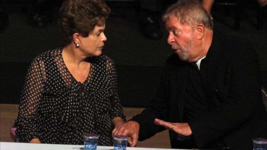 Lula critica gestión de Rousseff en reunión con religiosos, según la prensa