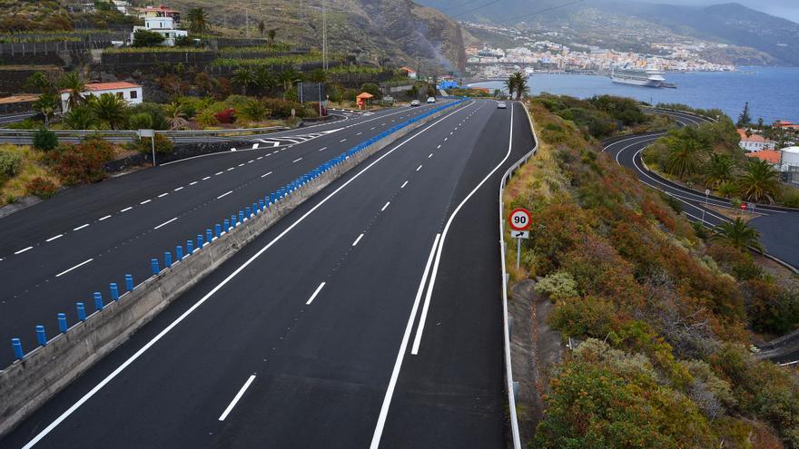 Imagen de la nueva repavimentación de la vía.