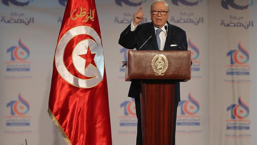 """El presidente de Túnez dice que el islam """"bien entendido no es incompatible con la democracia"""""""