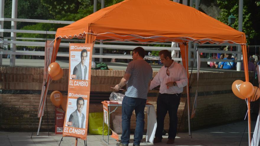 Stand de Ciudadanos en Toledo / Foto: Javier Robla