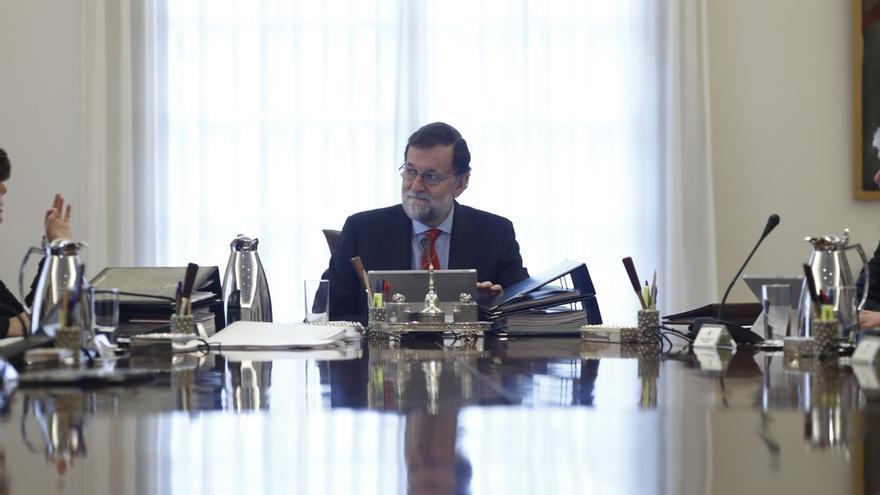 El Gobierno se aplica una subida del 1,5% y Rajoy pasará a ganar casi 1.200 euros más este año