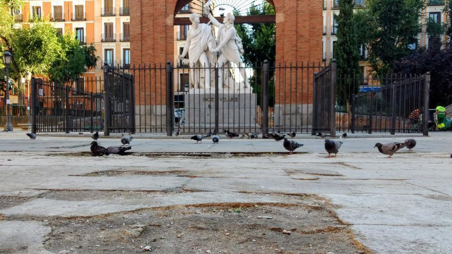 Aspecto actual del firme en la Plaza del Dos de Mayo   SOMOS MALASAÑA