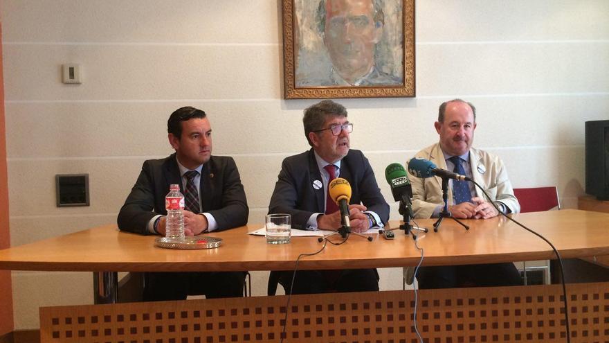 El Decano del Colegio de Abogados de Cantabria, Andrés de Diego presenta el balance de Justicia Gratuita de 2016.
