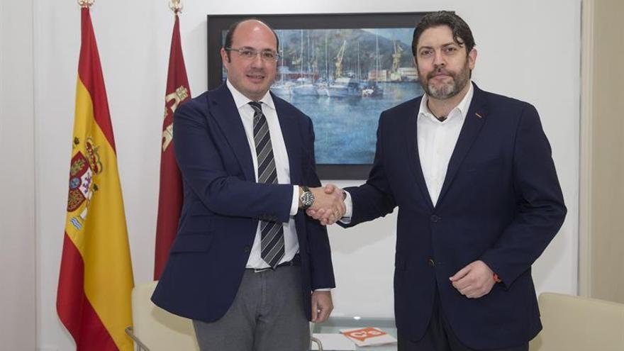 Cs retira su apoyo al PP en Murcia e inicia contactos con el PSOE