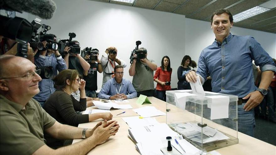 """Albert Rivera llama a la movilización por el """"cambio"""" en España"""