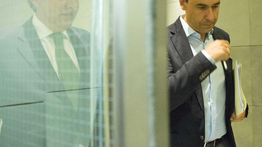 """El PP acusa a Sánchez de """"atrincherarse en el PSOE tomando como rehén al conjunto de los españoles"""""""