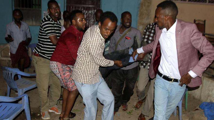Al menos 16 muertos en un doble atentado suicida de Al Shabab en Somalia