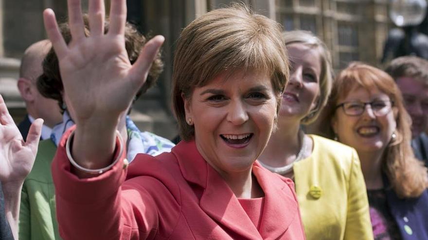Sturgeon presenta su manifiesto para Escocia sin fecha para otro referéndum