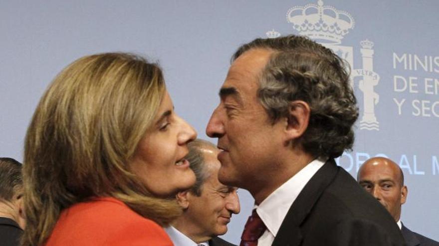 Rosell pide a Báñez una reunión urgente sobre las cotizaciones de vales de comida