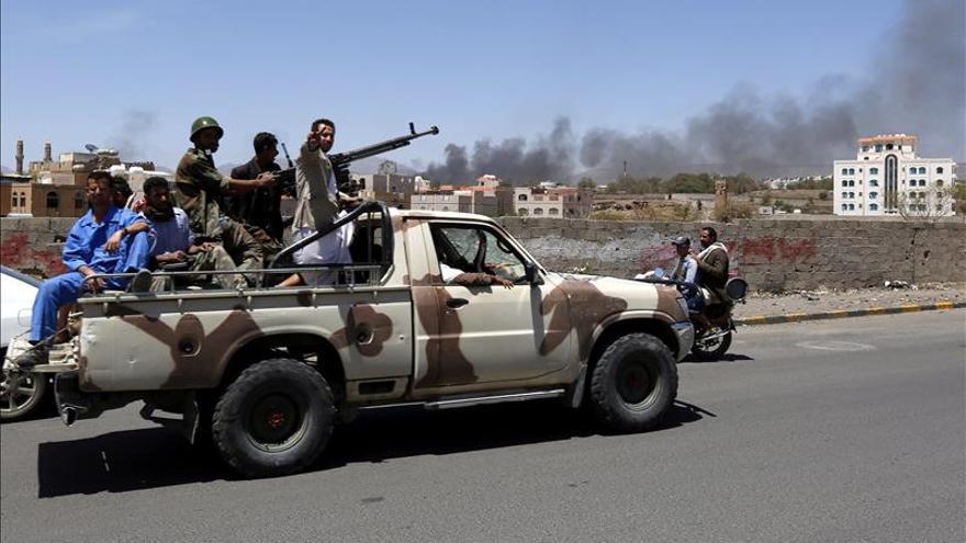 Yemen espera entre bombas la tregua que mejore la situación humanitaria