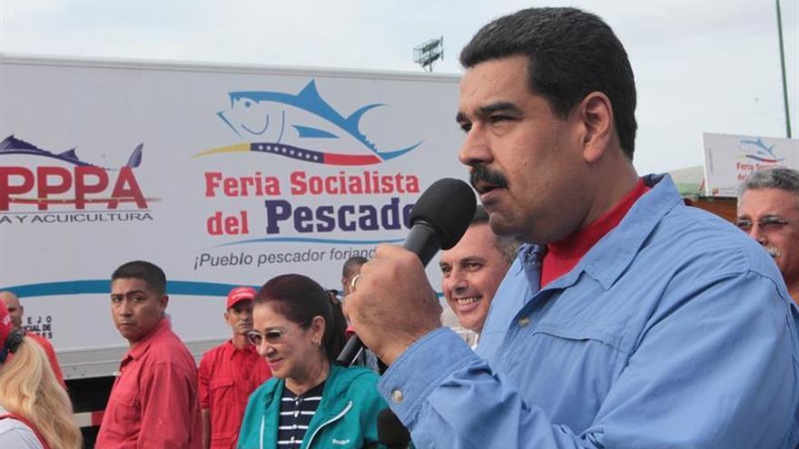 Maduro dice que oposición quiere entregar el país a oligarquías extranjeras