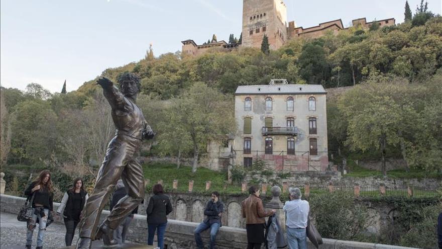 Alhambra someterá a debate el futuro del Hotel Reuma, en Paseo de los Tristes