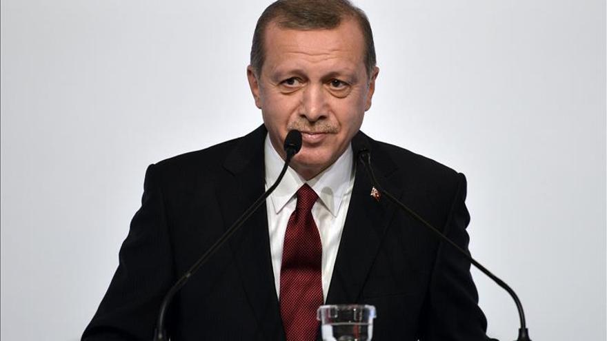 Erdogan llega a Arabia Saudí para abordar el conflicto sirio