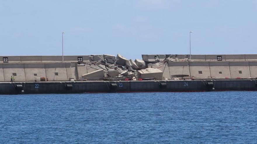 Muelle de La Esfinge tras el accidente del ferry. (ALEJANDRO RAMOS)