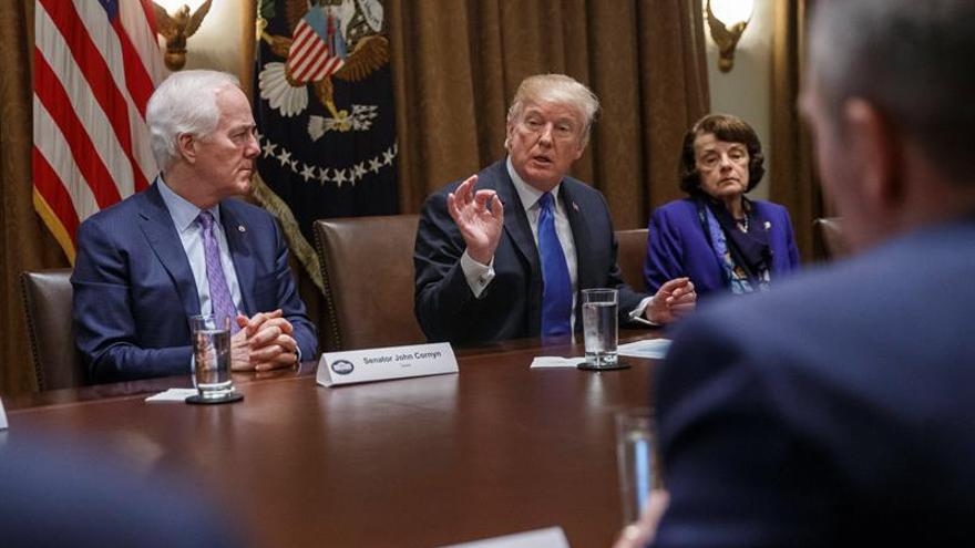 Trump se distancia de la Asociación del Rifle en el debate sobre las armas