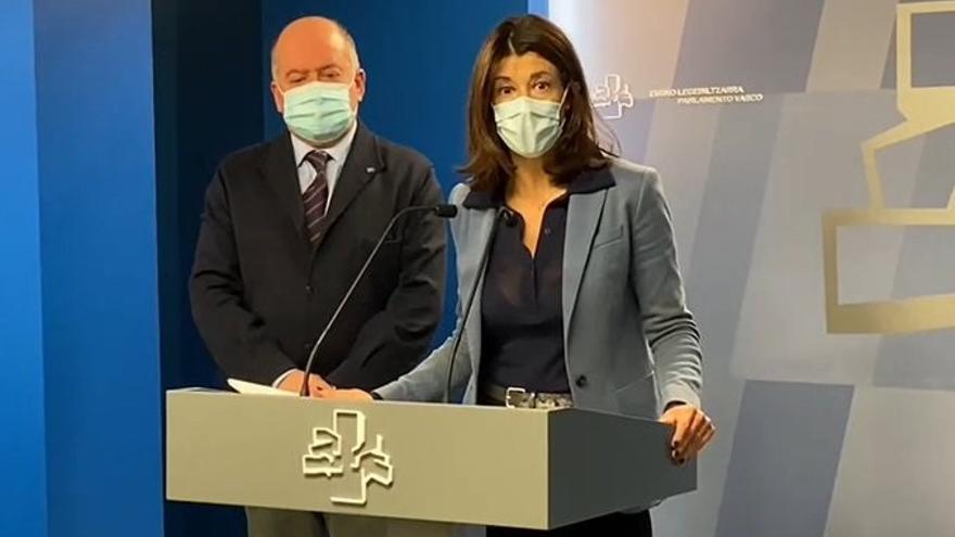 Archivo - Rueda de prensa celebrada en el Parlamento Vasco de la parlamentaria de PP+Cs Laura Garrido