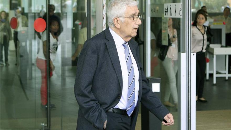 El extesorero de CDC niega poseer una cuenta millonaria en Suiza