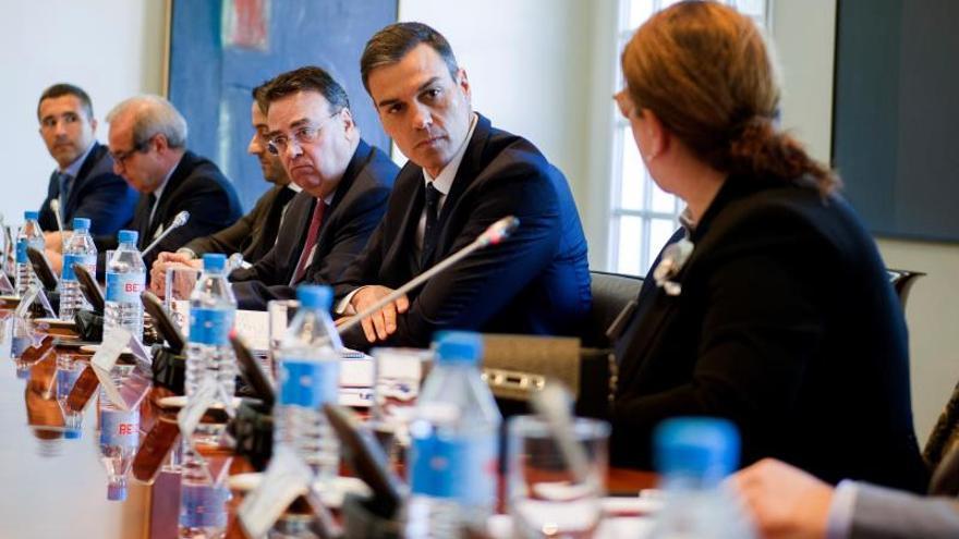 Sánchez defiende ventajas de España para invertir ante gestores y empresarios