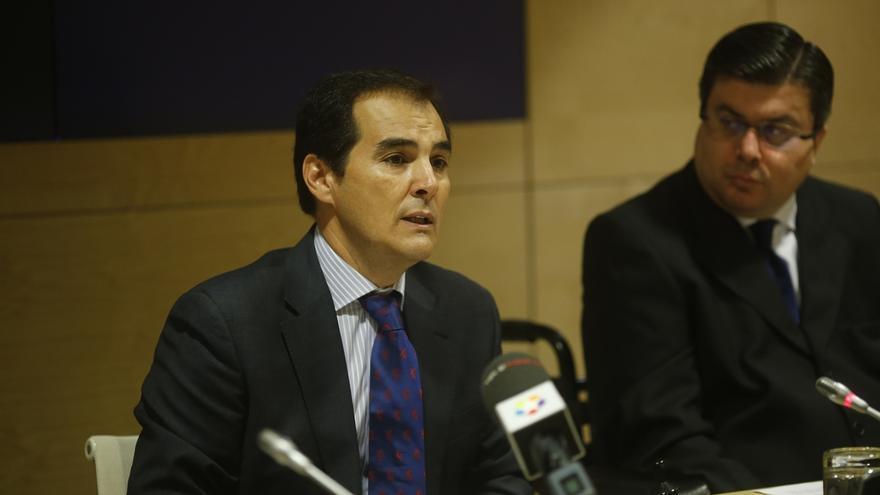 """El secretario de Estado ve una """"barbaridad"""" que se pida la derogación de la 'ley Mordaza' sin consensuar una alternativa"""