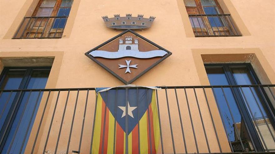 """El Supremo avala retirar la """"estelada"""" de los ayuntamientos en campañas al verla partidista"""