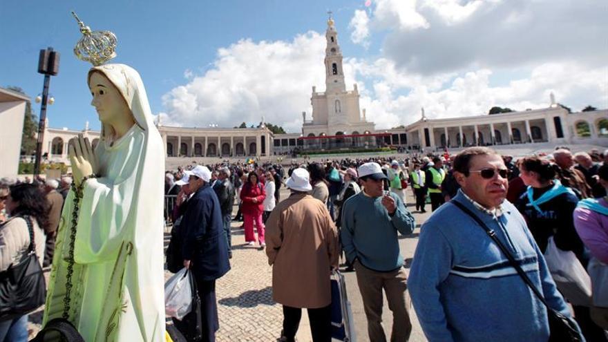 El papa canonizará durante su viaje a Fátima a los dos hermanos pastores