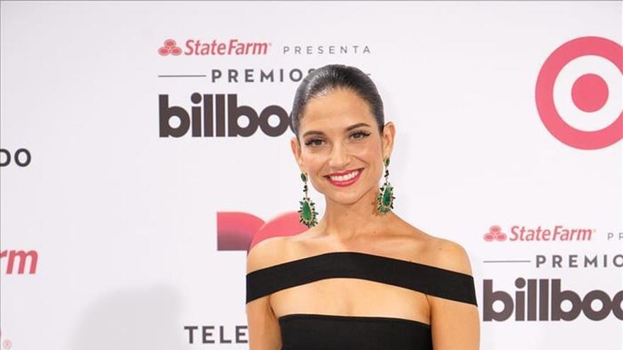 Estrellas de la música y la televisión engalanan la noche de los Premios Billboard latinos