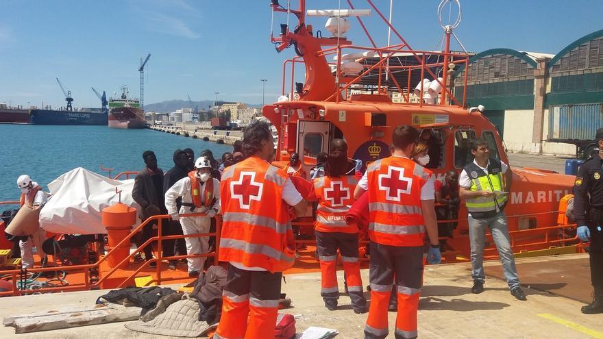 Casi 2.300 inmigrantes a bordo de 95 embarcaciones han llegado a las costas andaluzas en lo que va de 2016