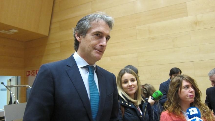 """De la Serna recomienda a Ignacio Diego """"que se mantenga leal"""" a Buruaga y rechaza ser candidato del PP en Cantabria"""