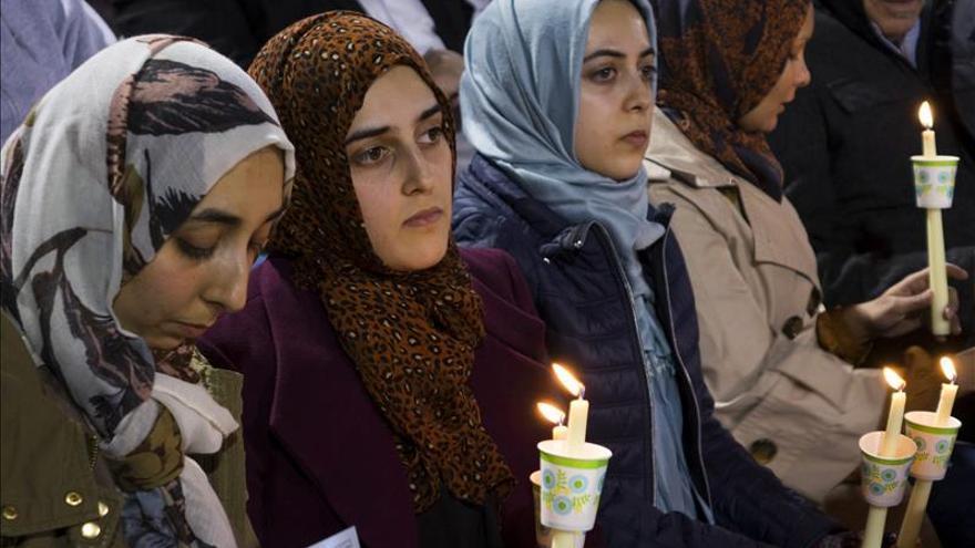 Velas, oraciones y un remanso de paz tras la tragedia de San Bernardino