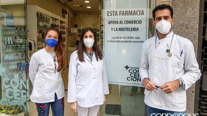 Farmacia Concepción se ha solidarizado con las restricciones horarias del resto el comercio | ÁLEX GALLEGOS