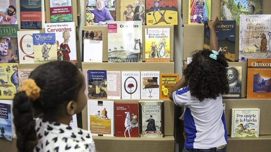 Libros que van de vacaciones: 10 propuestas para los lectores más jóvenes
