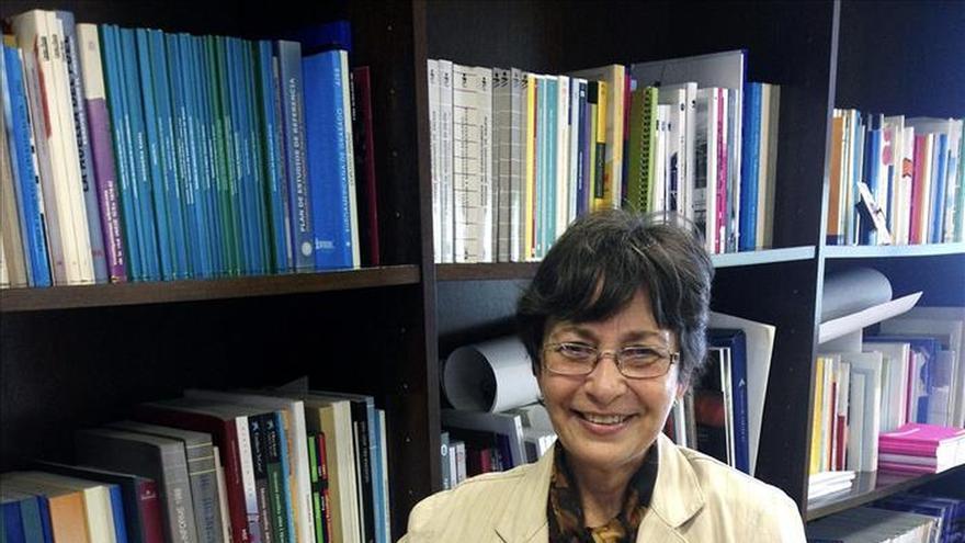 Una profesora cubana dice que la relación con  EEUU va despacio para evitar una terapia de choque
