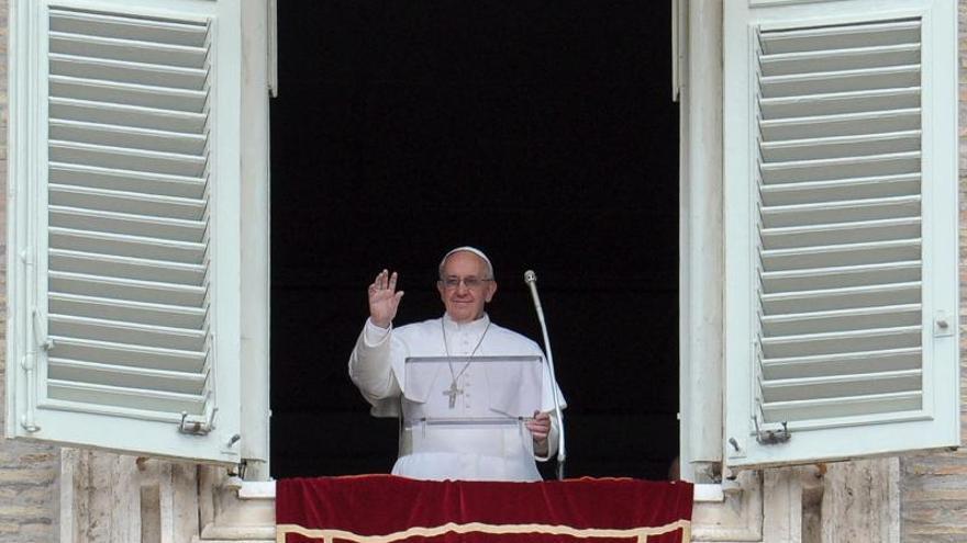 El Papa denuncia el ensañamiento de quienes quemaron a un niño italiano de tres años