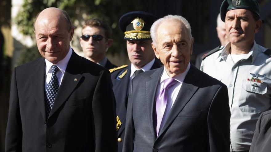 """Peres advierte que un fracaso en la negociación de paz puede ser """"dramático"""""""