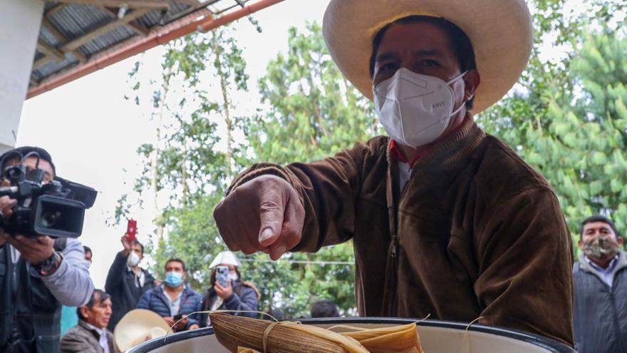 El candidato más votado en Perú busca el acercamiento con otros partidos